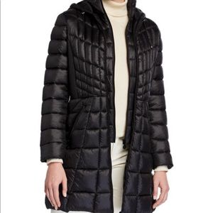 Bernardo hooded packable walker coat Small Black